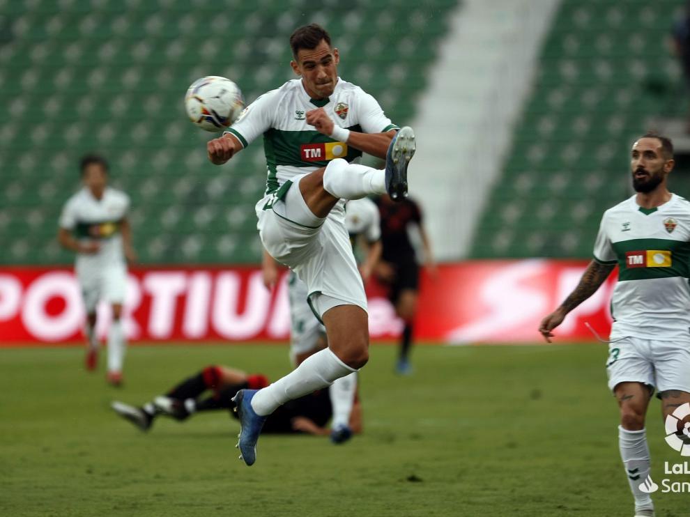El oscense Dani Calvo debuta en la categoría con derrota del Elche