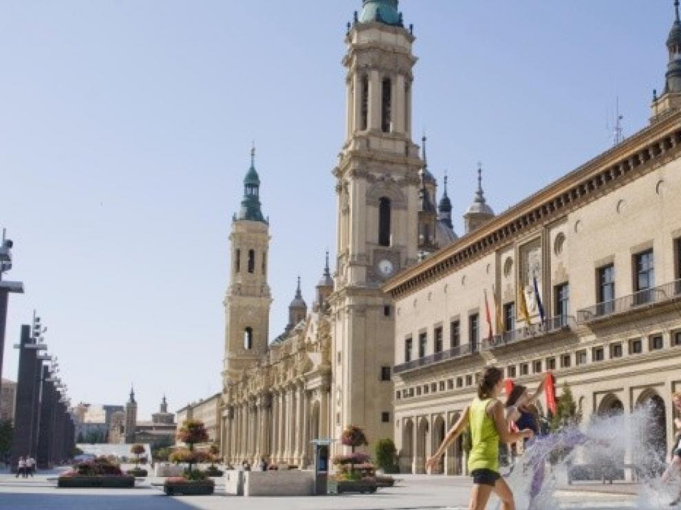 La llegada de turistas chinos a Zaragoza cae un 84,3 % en un año