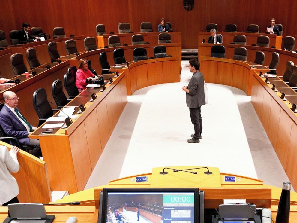 """Lambán pide celebrar el debate de la comunidad para explicar las """"líneas generales"""""""
