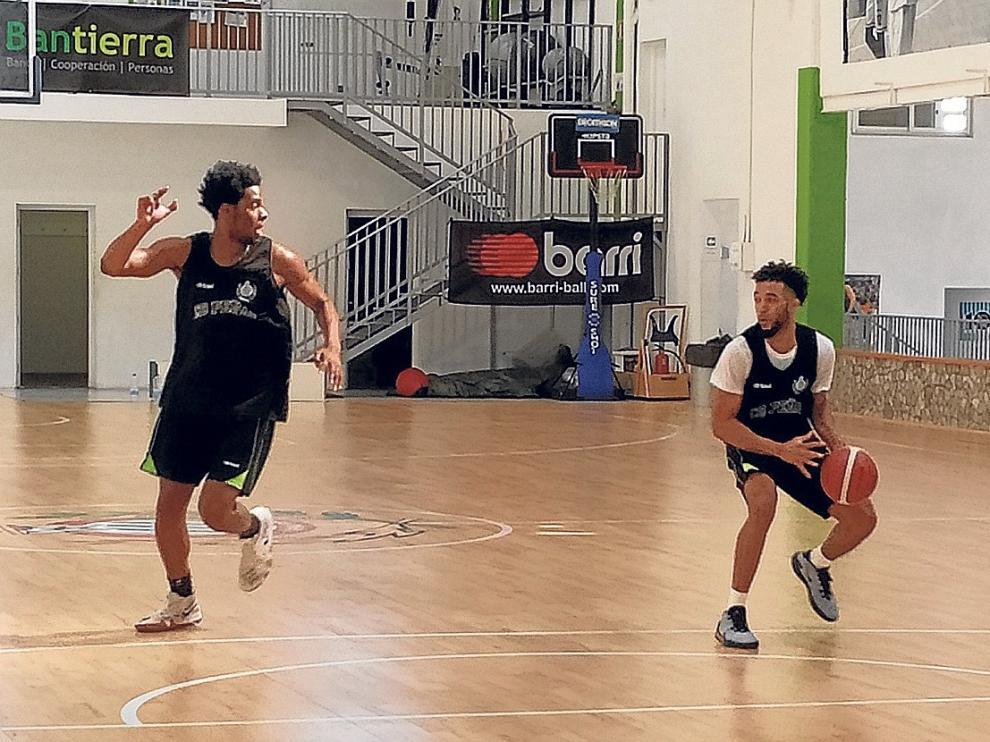 """Olin Carter, jugador del Levitec, """"encantado de volver a estar en Huesca"""""""
