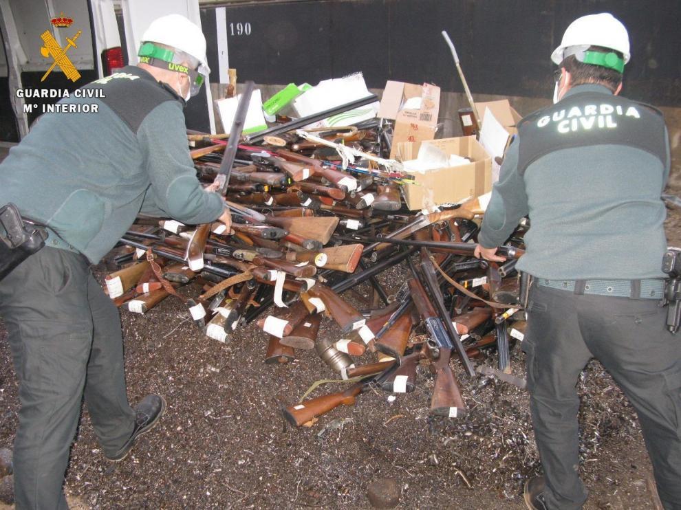 La Guardia Civil destruye cerca de 500 armas