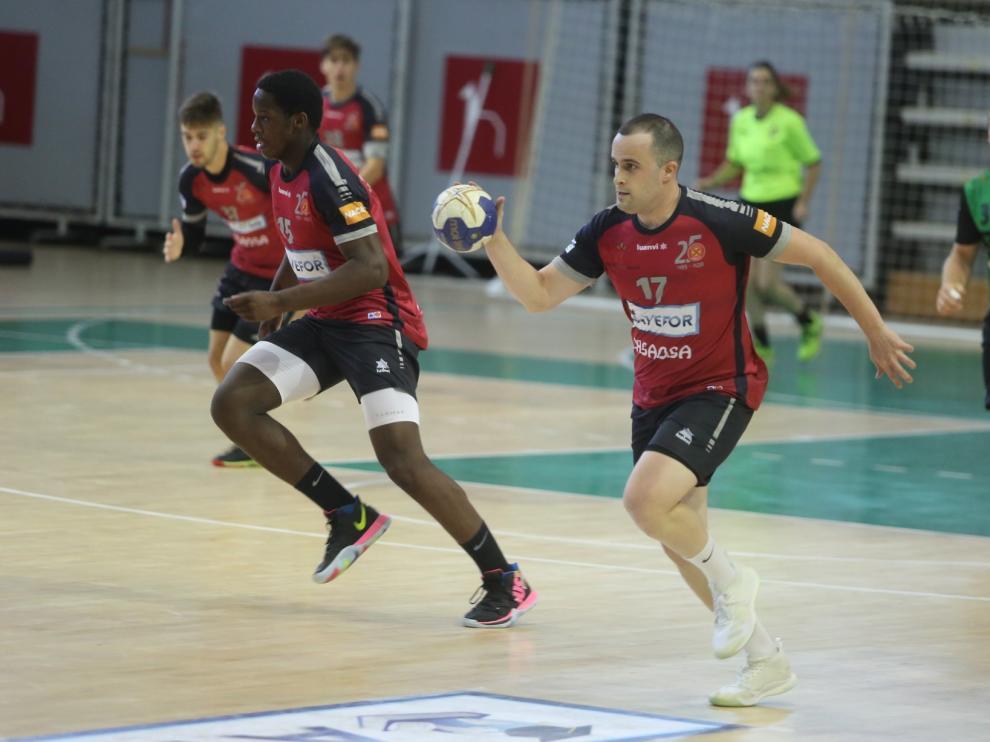 Avefor Huesca roza sus primeros puntos ante el Ademar Zaragoza