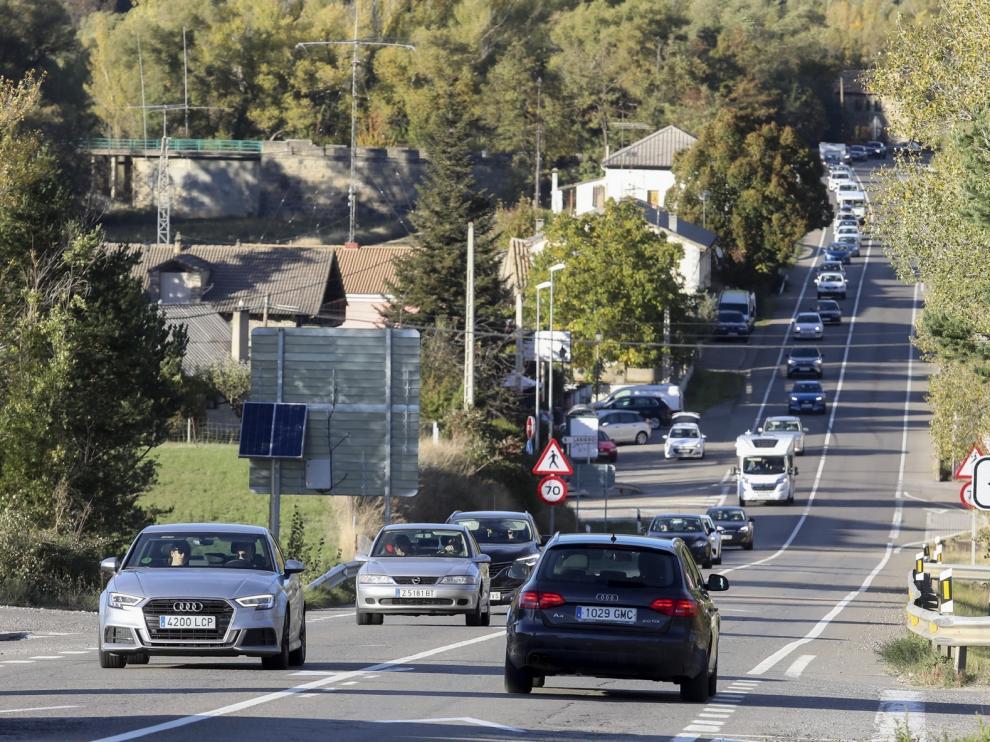 Abundante tráfico y dos heridos en accidente en la N-240 durante el regreso en la provincia de Huesca