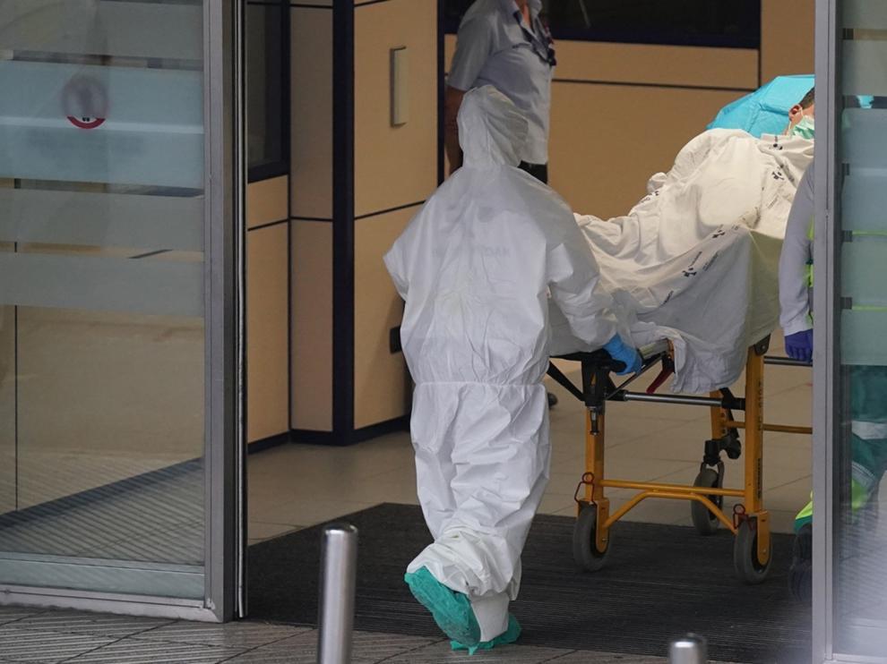 Los hospitales aragoneses, listos para aumentar las camas en las UCI