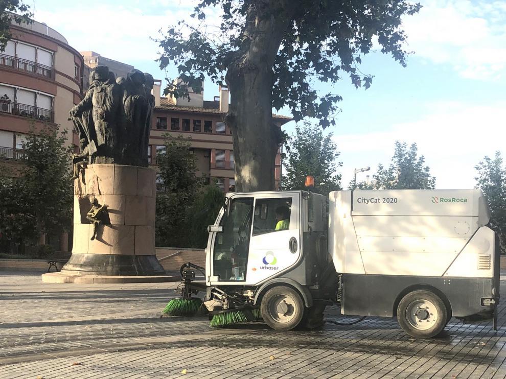 Más personal y maquinaria para el servicio de limpieza viaria en Monzón