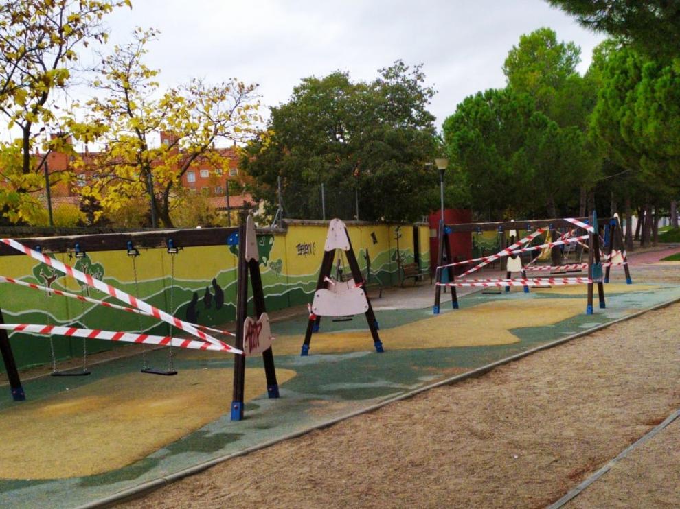 Cerradas las zonas de juegos infantiles de Huesca