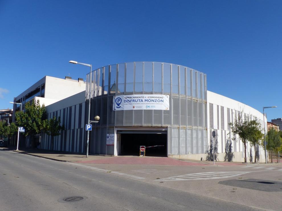 El parquin de Cortes de Aragón de Monzón se reacondicionará para garantizar un mejor uso y rotación de vehículos