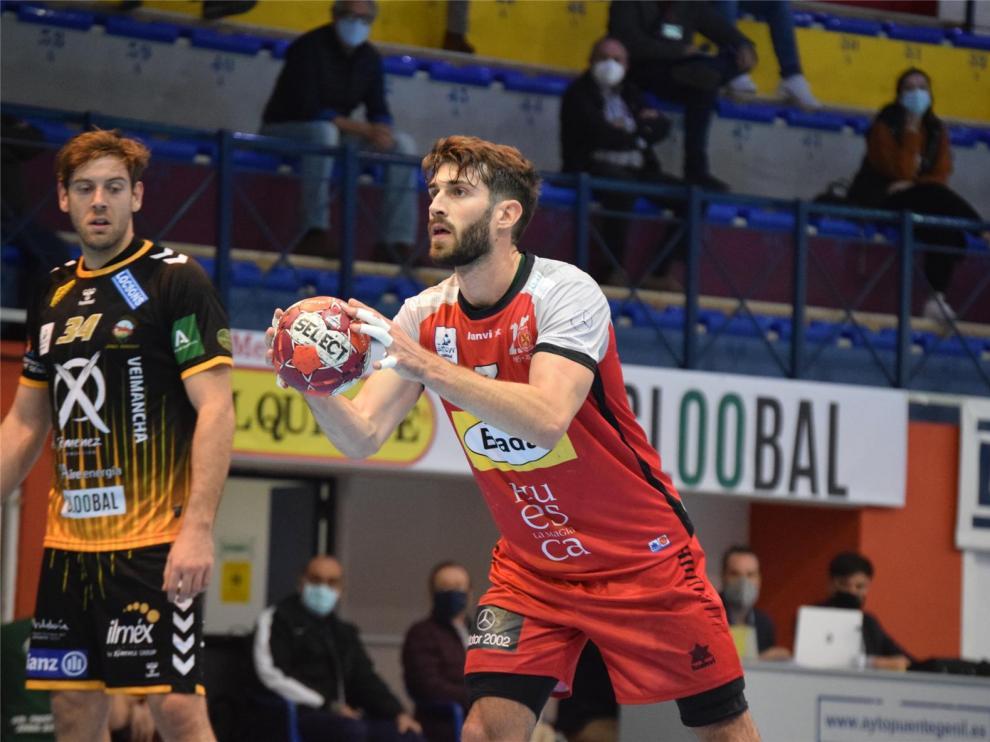 Bada Huesca se lleva una meritoria victoria de Puente Genil (28-30)