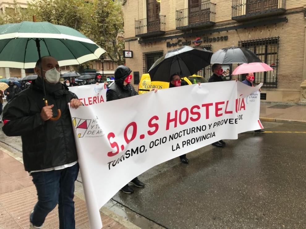 La hostelería de Huesca se manifiesta contra las medidas restrictivas frente a la covid-19