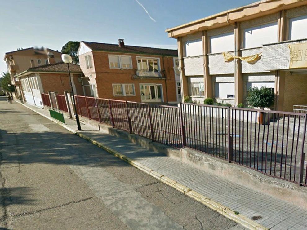 Dos detenidos y dos investigados por un robo del colegio de Ayerbe