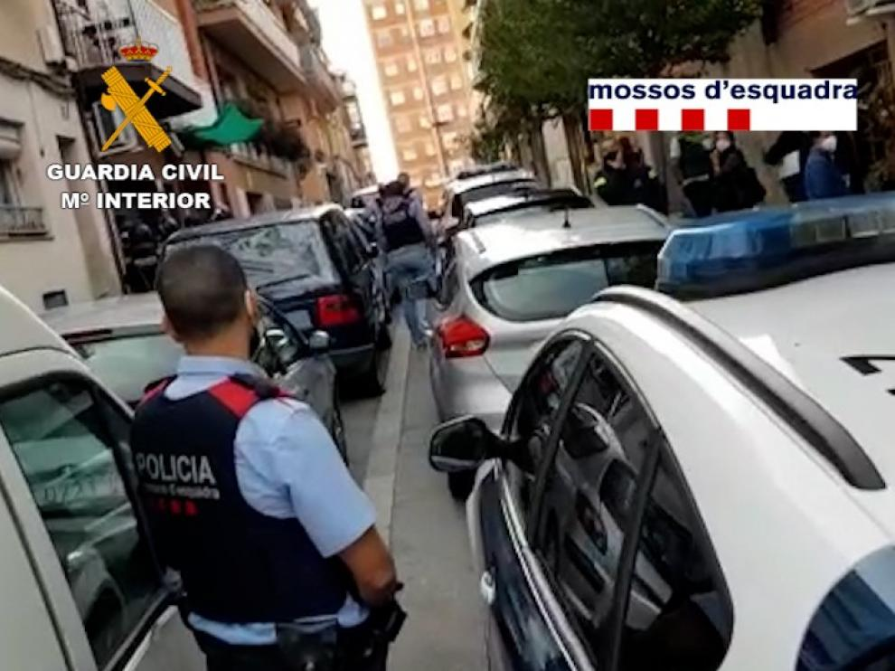 Detienen a un grupo criminal que robó en una tienda de telefonía de Monzón