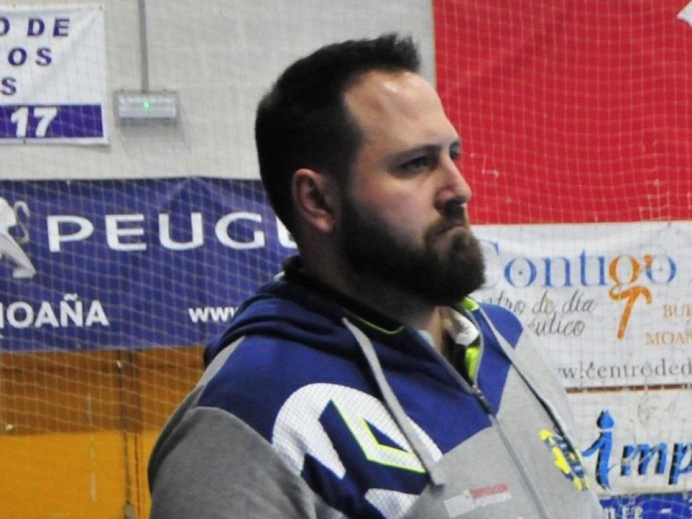 "Nacho Moyano, técnico de Cangas: ""Acabamos de volver tras un mes y se nota en lo físico"""
