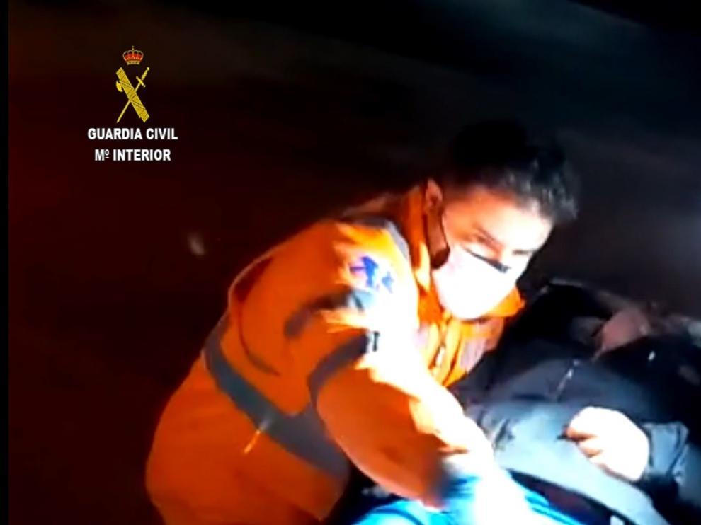 Complicado rescate de un montañero de Monzón por la oscuridad y el frío en Sallent de Gállego