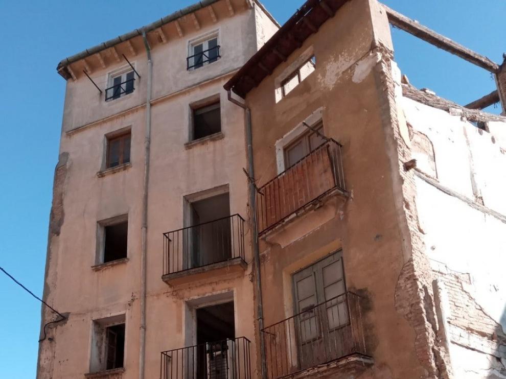 Urbanismo declara la demolición por ruina de dos edificios en la calle Calvario de Barbastro