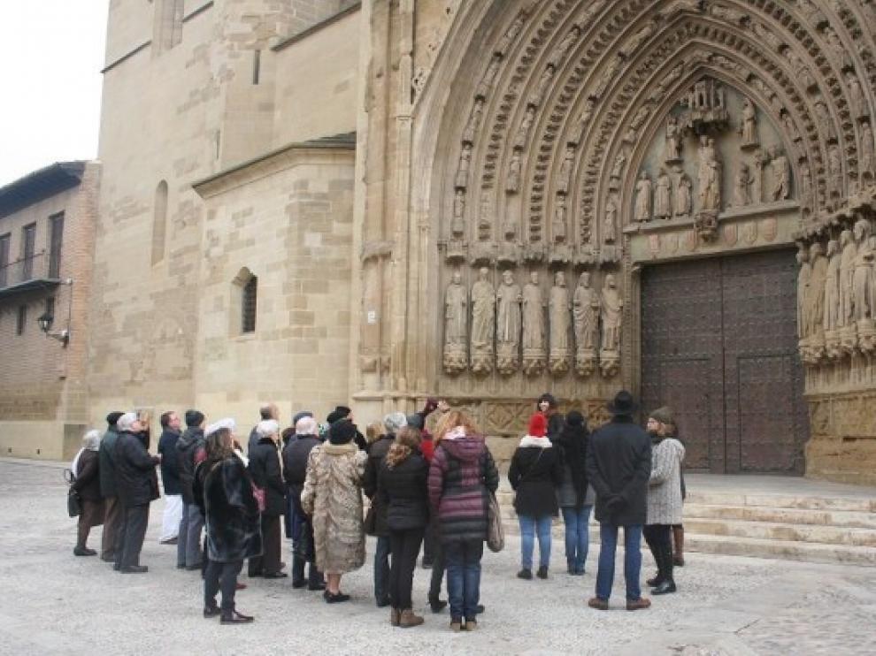 El Ayuntamiento de Huesca amplía las visitas temáticas a las tardes de esta semana