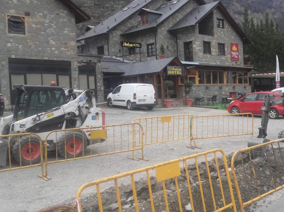 El escape de gas en una calle de Benaque obliga a desalojar varios minutos un hotel de la localidad