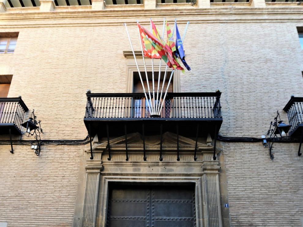 Más de 70 interinos demandan al Concejo de Huesca por temporalidad abusiva