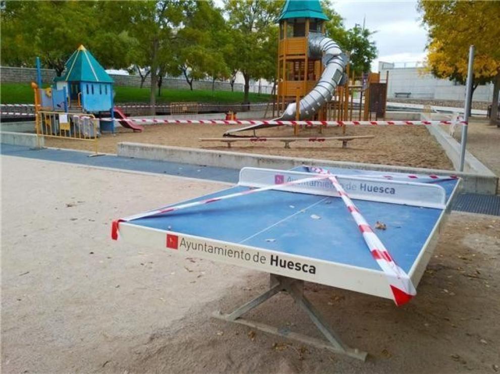 El Ayuntamiento de Huesca reabre este martes los parques infantiles de la ciudad