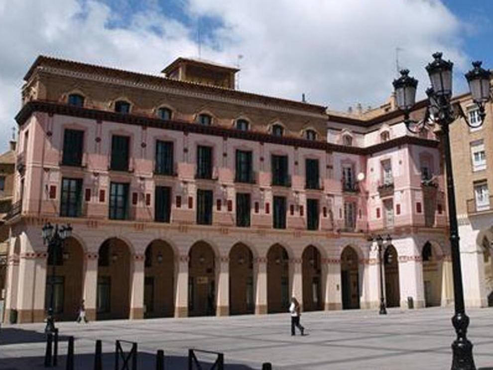 Patronal y sindicatos piden medidas para reactivar Huesca