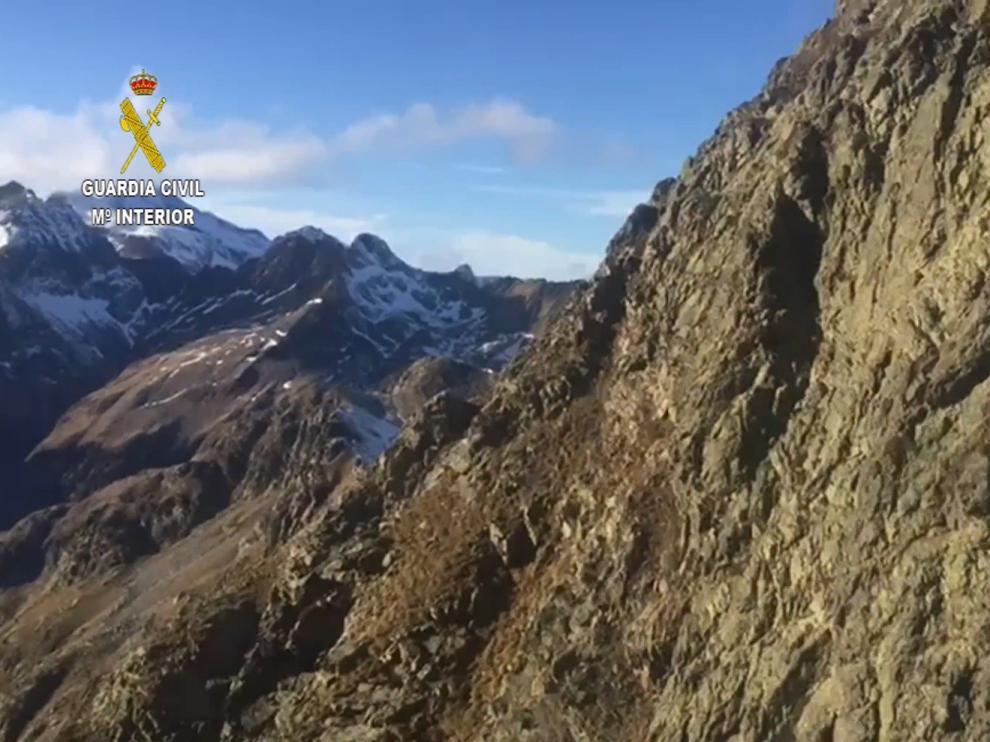 La Guardia Civil amplía la búsqueda de la montañera desaparecida a los valles colindantes al Pico Salvaguardia