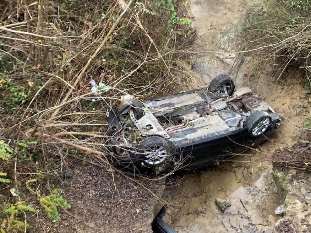 Herido un conductor tras precipitarse en el Ésera en el puente de La Lanera de Graus