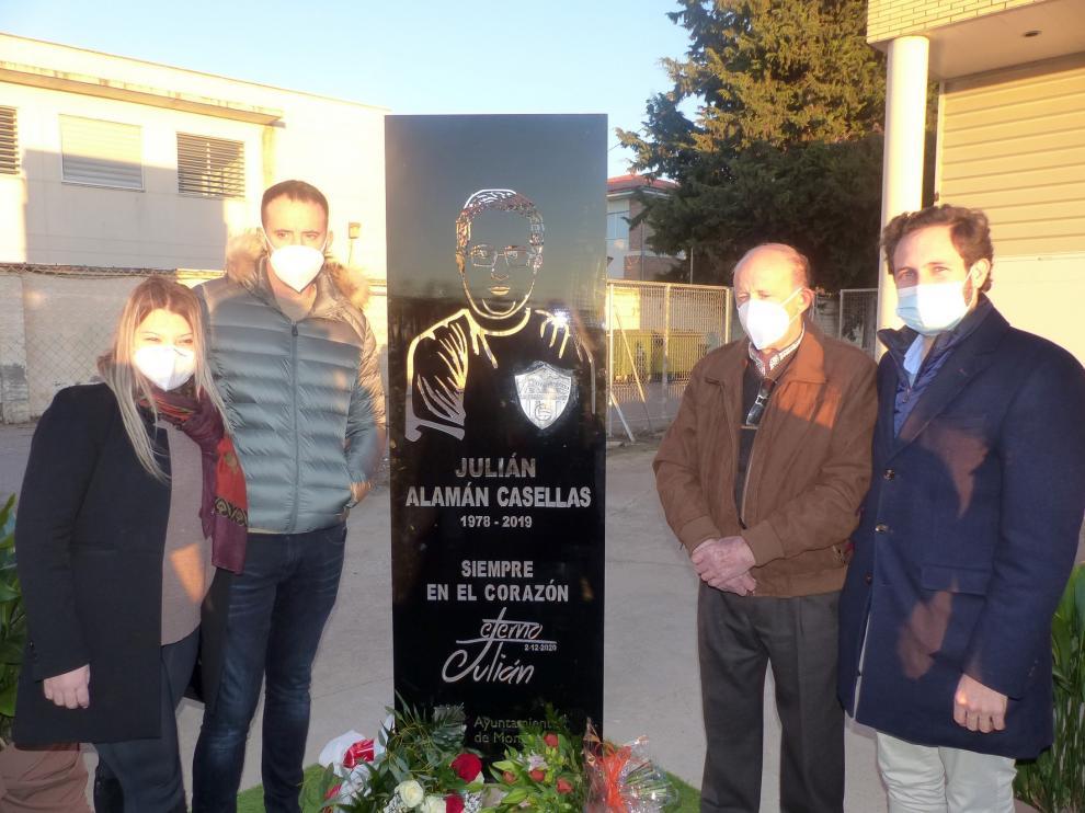 Monzón recuerda la figura de Julián Alamán con un monolito en el Isidro Calderón