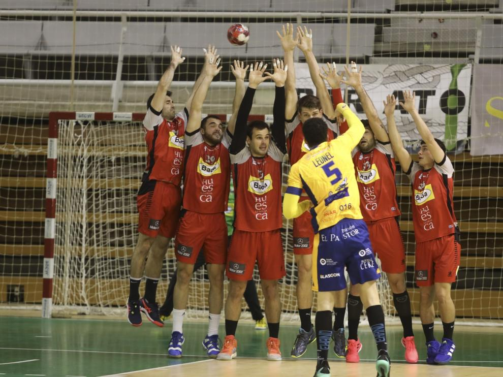 Octava victoria liguera del Bada (26-19)