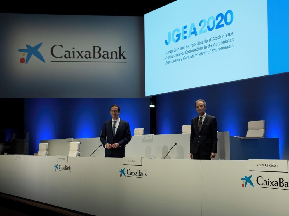 Los accionistas de CaixaBank aprueban absorber Bankia
