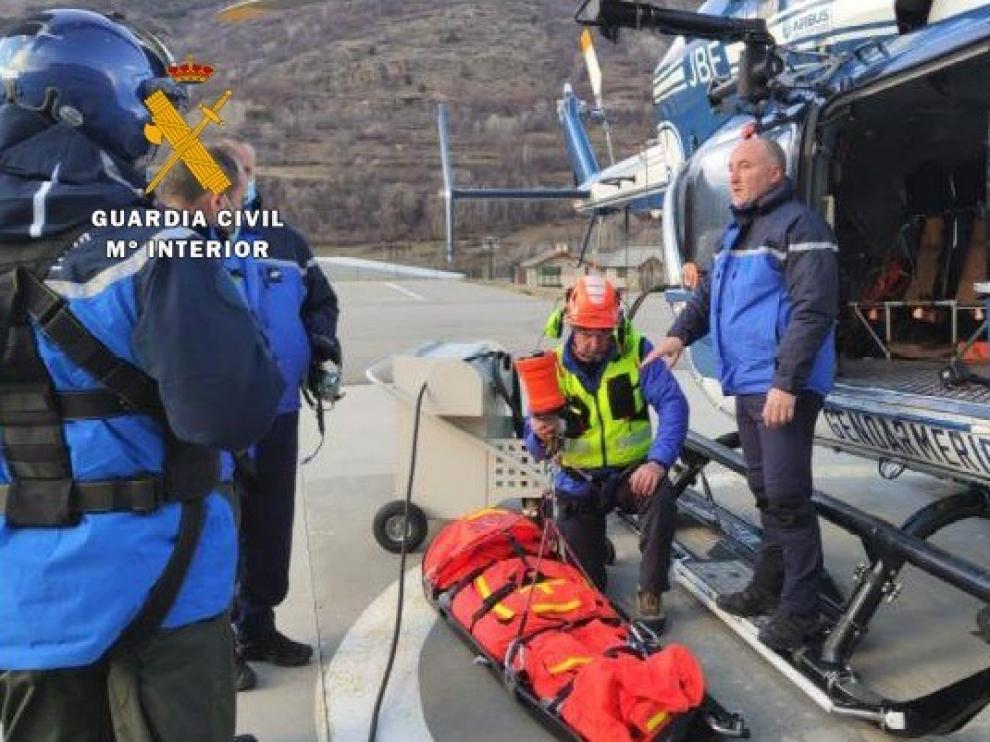 La Unidad Aérea de la Guardia Civil de Huesca se forma en la Escuela de Vuelo en Montaña de Briançon