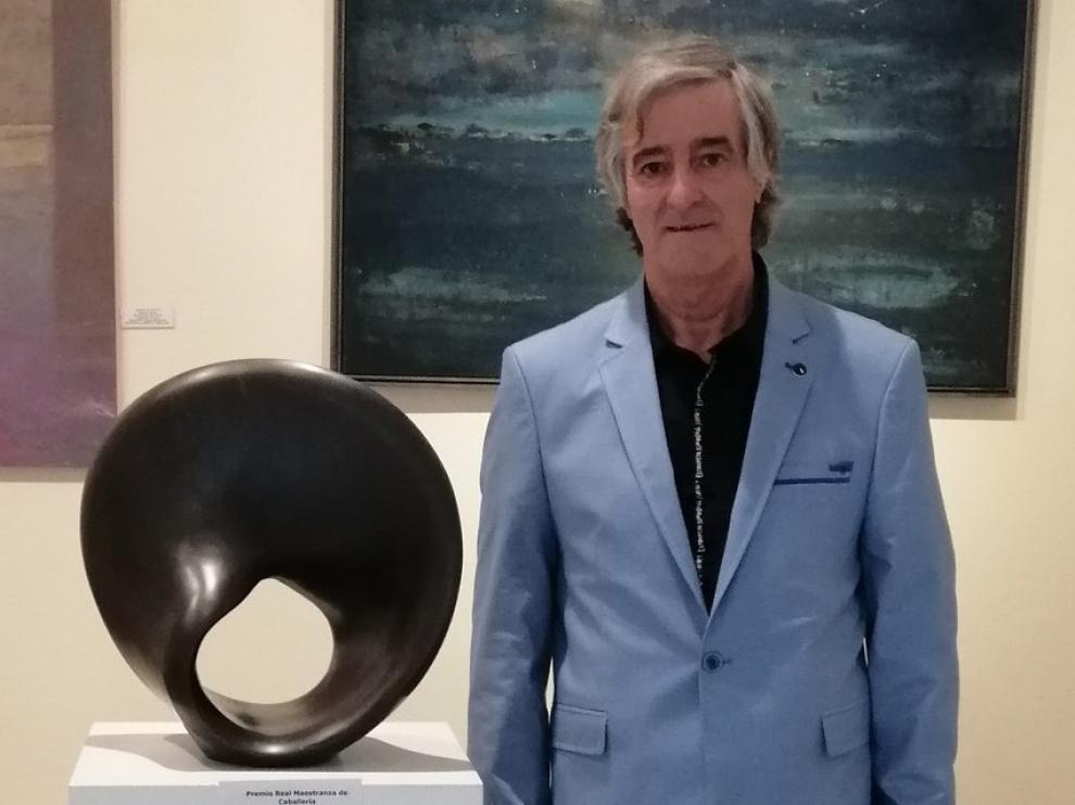 """Anía gana el Premio de la Exposición de Otoño de Sevilla con la escultura """"Abanico"""""""