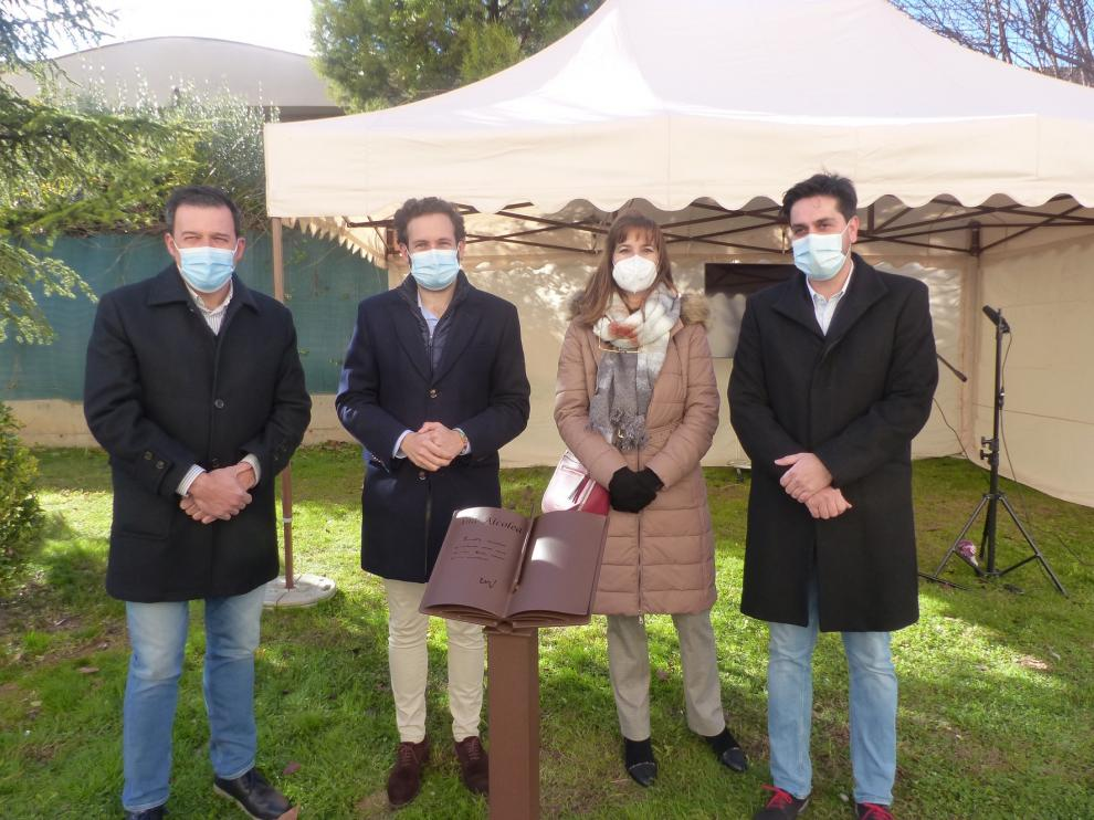 Ángel Guinda, Ana Alcolea y Luis Zueco ya forman parte del Paseo de las Letras Aragonesas de Monzón