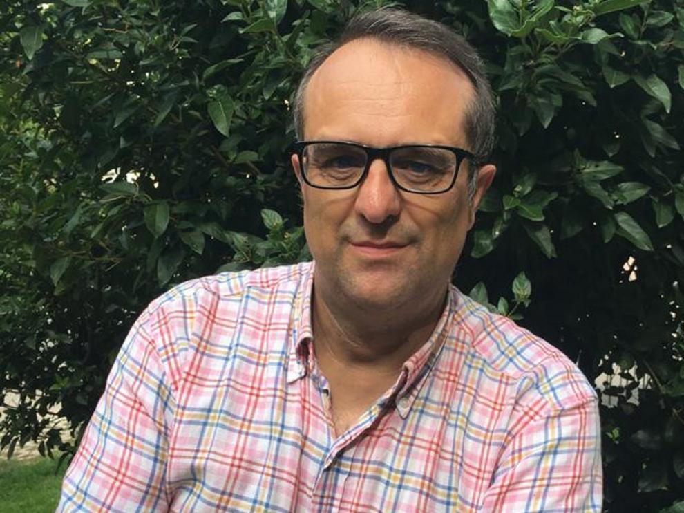 """Alberto López Escuer: """"Escribo desde una perspectiva positiva, a veces reivindicativa y siempre serena"""""""