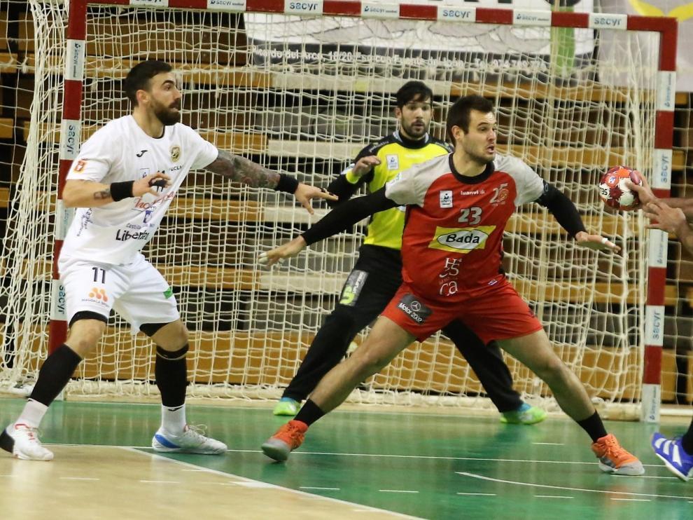 Décima victoria del Bada en un excepcional partido (32-30)