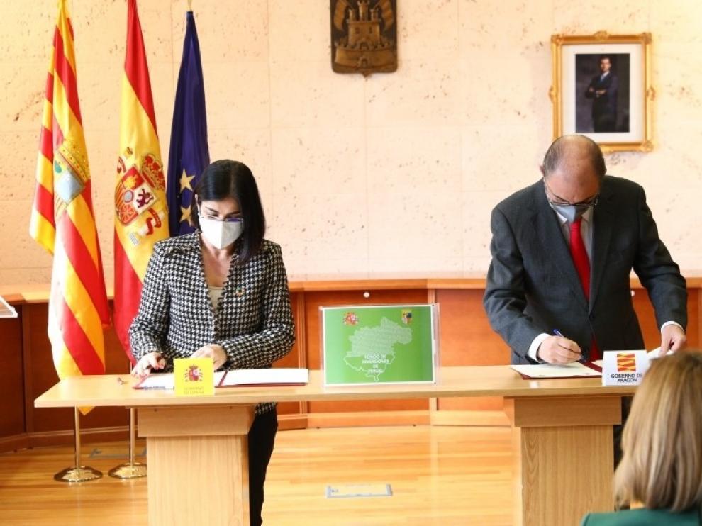Darias y Lambán firman el Fondo de Inversiones de Teruel 2020, dotado con 76,3 millones de euros