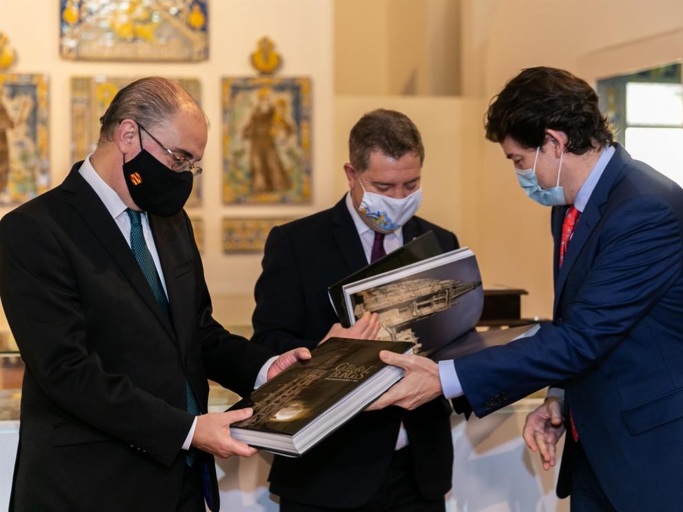 Page, Lambán y Mañueco piden reunir la Conferencia de Presidentes para hablar de vacunación y recuperación económica