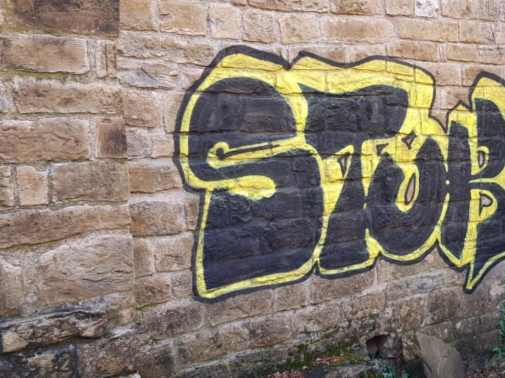 Acto vandálico en el monasterio de Santa María de Obarra