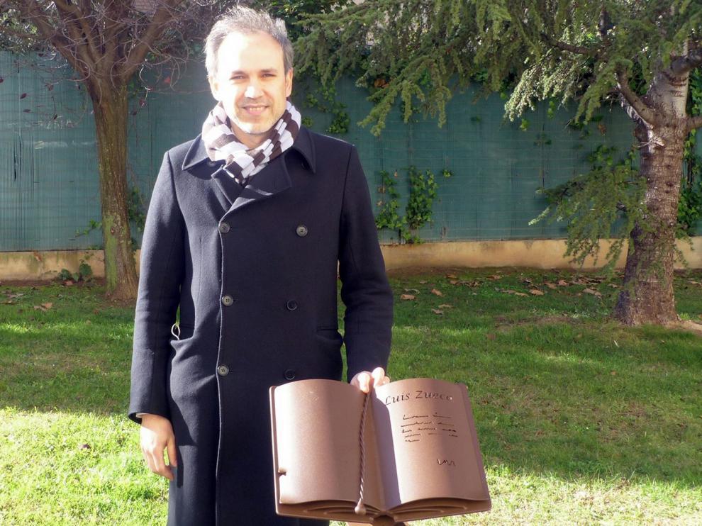 """Luis Zueco: """"La Feria es un referente para la literatura y los libros de Aragón"""""""