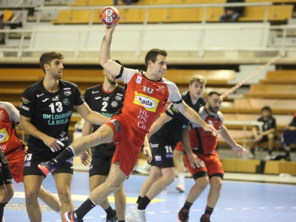 El Bada logra una gran victoria ante el Logroño (30-29)