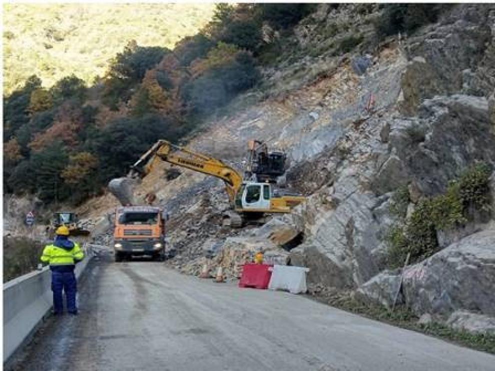Se cierra este lunes de nuevo por obras el tramo Campo-Seira