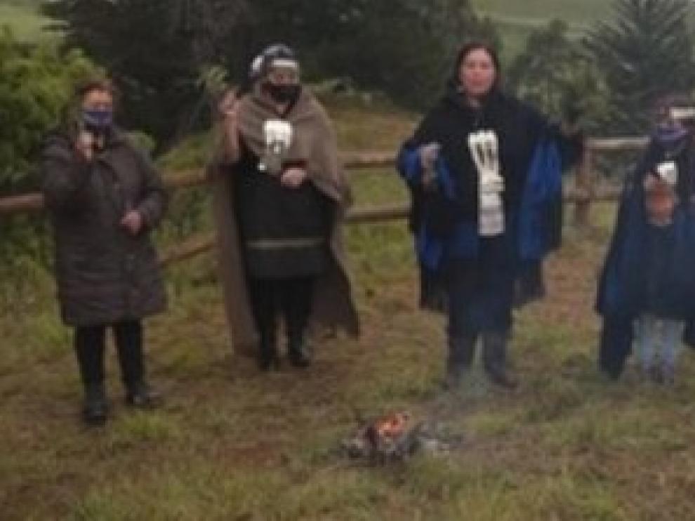 """Silencio en una aldea mapuche para """"recuperar el equilibrio"""" tras el eclipse"""