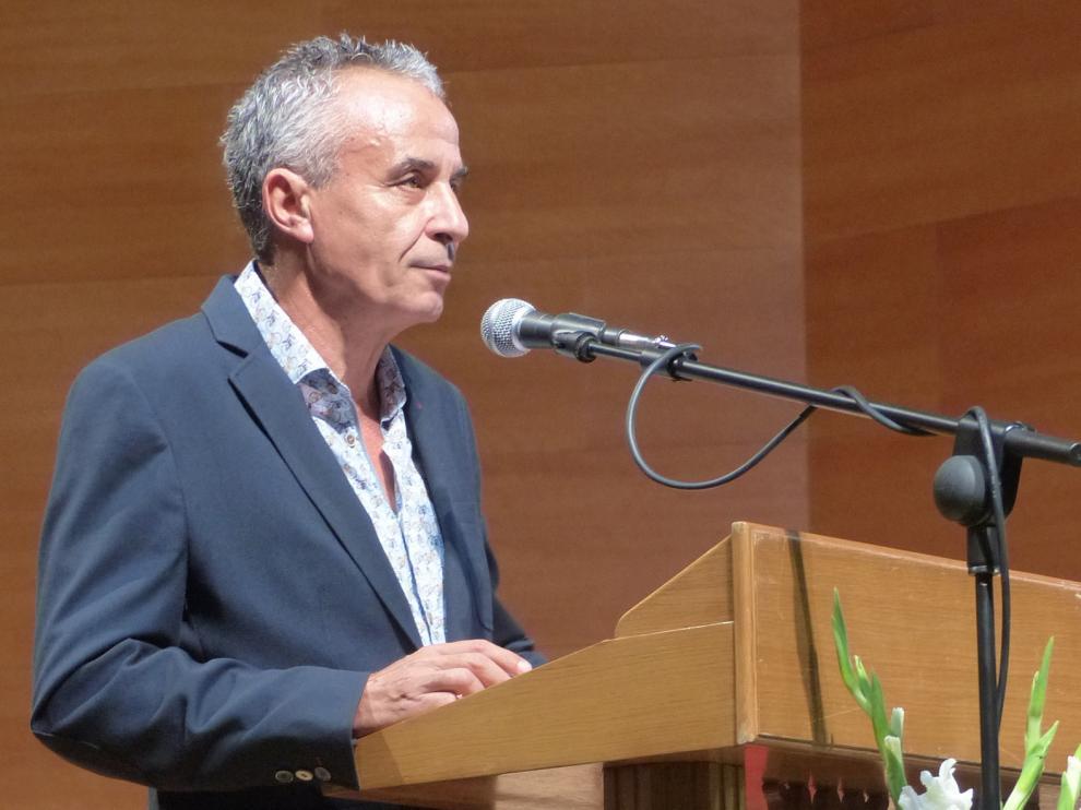 Monzón Extiende Cultura premia a Francisco José Porquet y el IES Mor de Fuentes