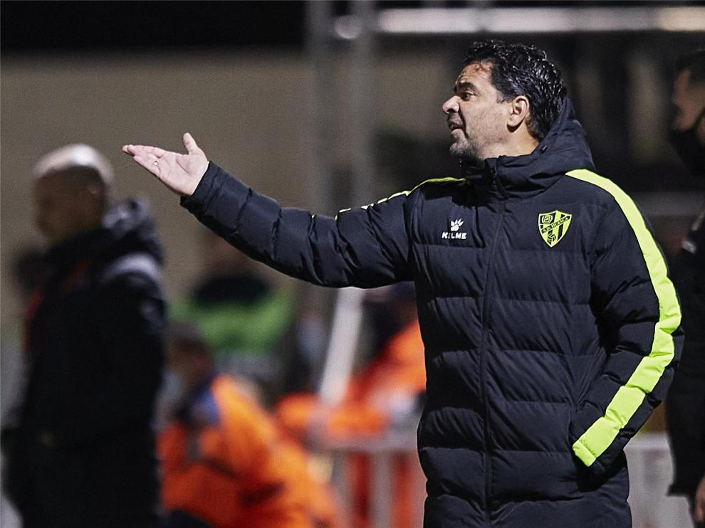 """El Huesca, """"con un poco más de seguridad y confianza"""" tras sus victorias"""