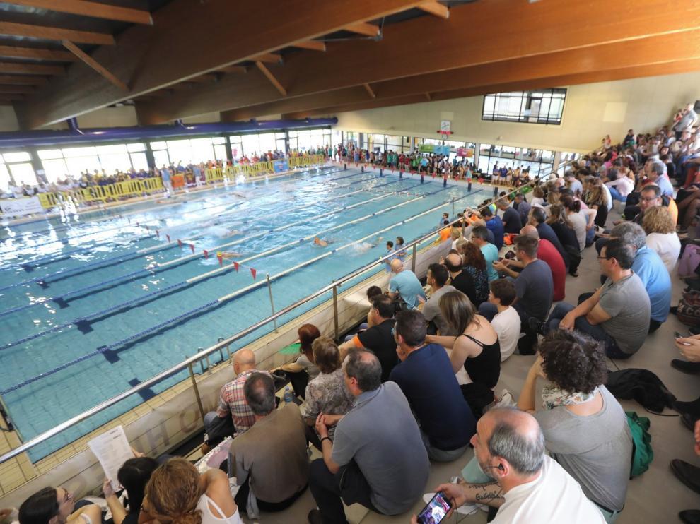 Zoiti 89 carga contra el cierre de las piscinas de Huesca