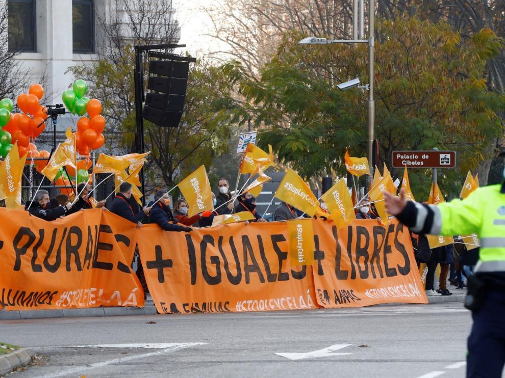 """La oposición se une al clamor ciudadano contra la """"Ley Celaá"""""""