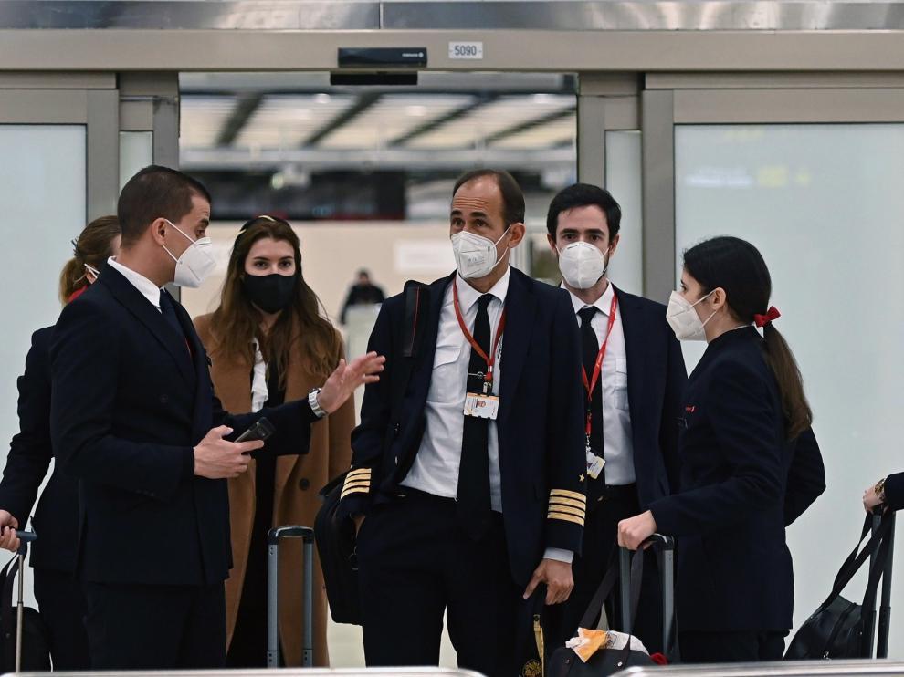 España suspende los vuelos desde el Reino Unido salvo para españoles o residentes