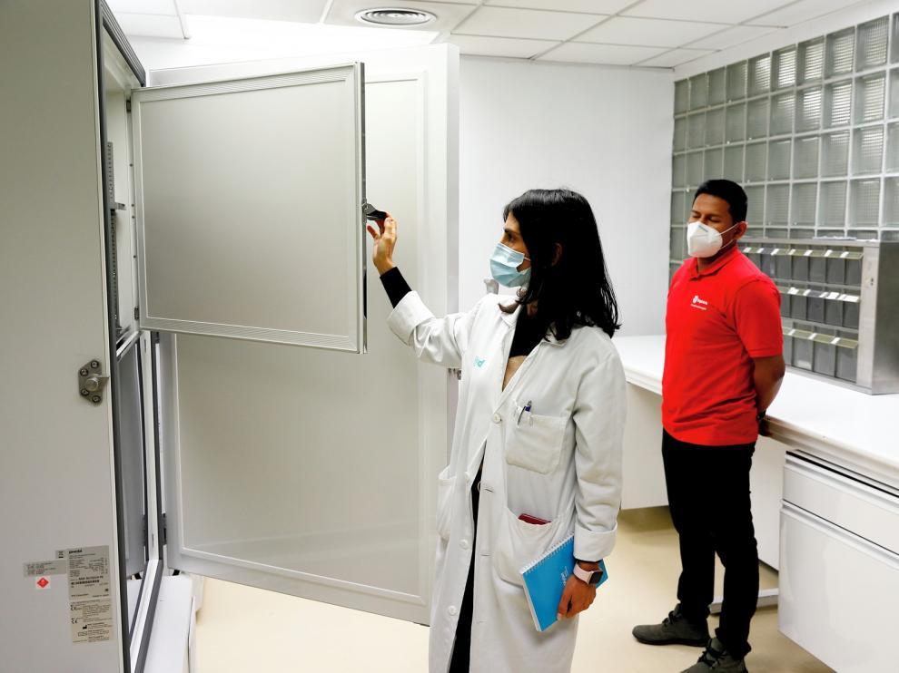 La vacuna comenzará en Aragón con 20.000 residentes y 12.000 cuidadores