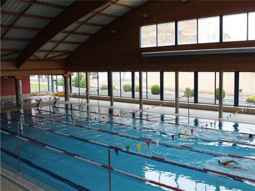 La piscina climatizada de Monzón reabre para el baño libre el lunes