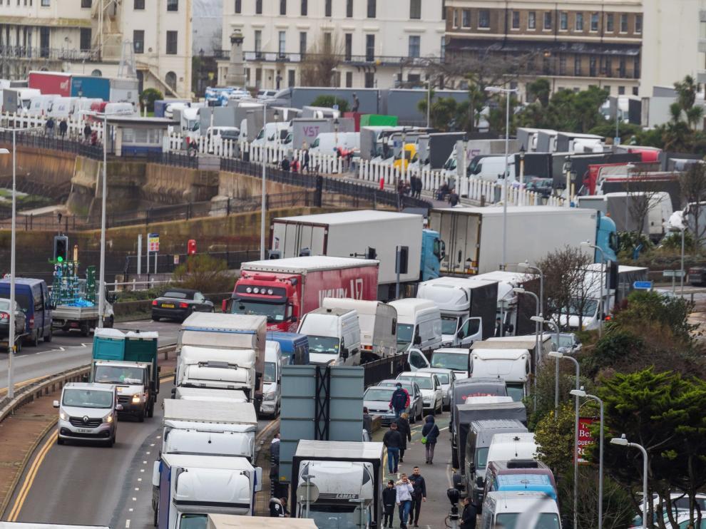 Más de 1.500 transportistas atrapados en Reino Unido