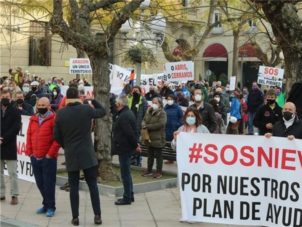 El PSOE altoaragonés respalda al sector de la nieve pero denuncia el uso partidista del PP