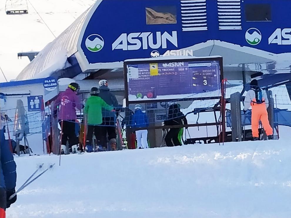 Astún, la primera estación de esquí que abre sus instalaciones en el Pirineo de Huesca